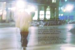 Place de la CitéŽ, devant chez Jean-Luc ˆ Genève. Quatre heures du matin. Poèmes aux empruntes de pas fossiles.