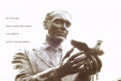 Statue de Federico Garcia Lorca, place Santa Ana, Madrid. Poème surˆ ses assassins.